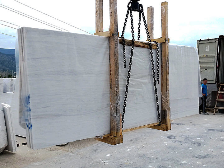 Petalco transportation marine marble slabs on air
