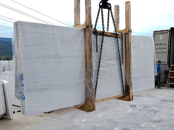 Petalco transportation marine marble slabs on air